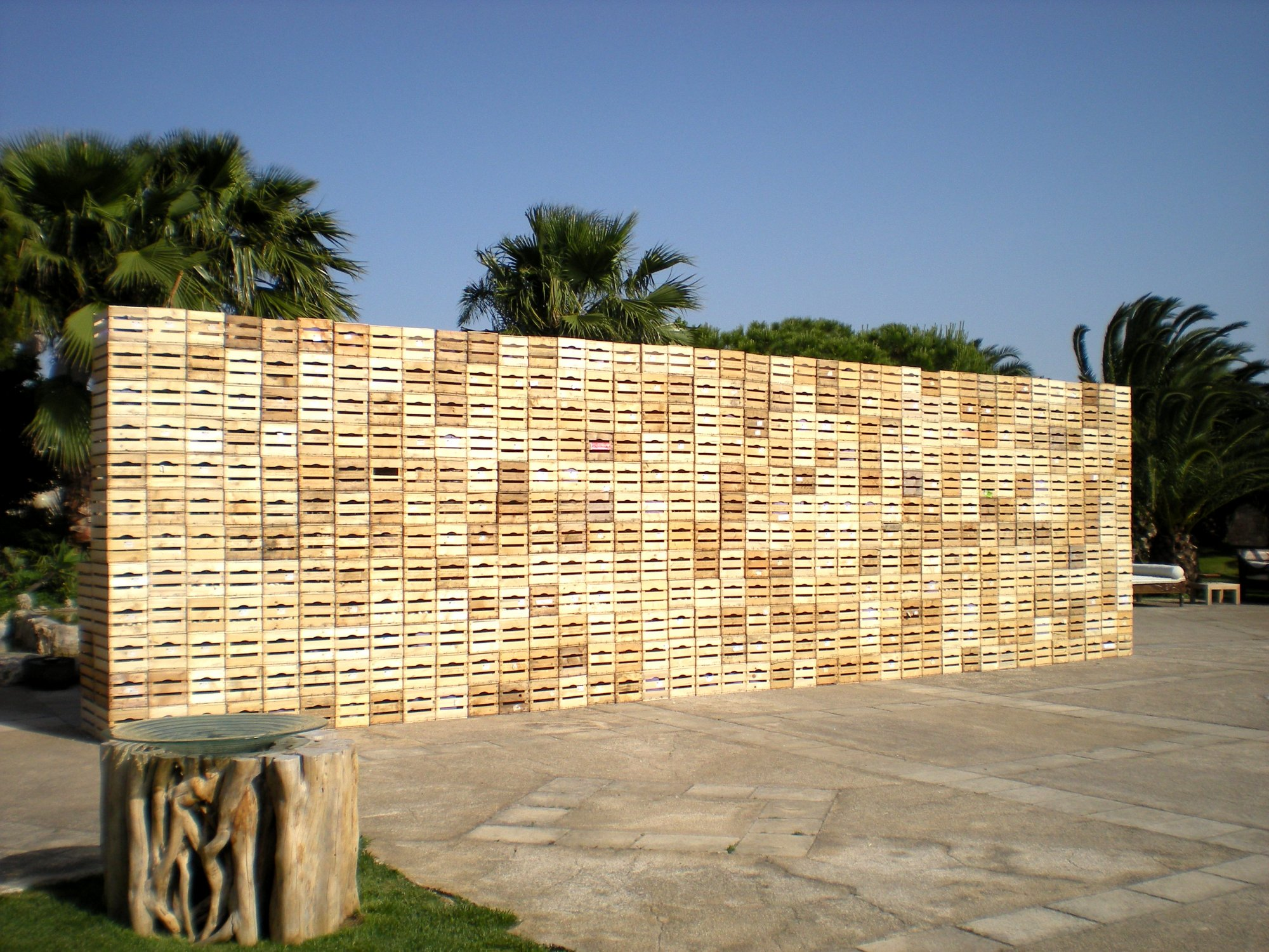 Cassette Della Frutta Legno il muro del pianto (600 cassette di legno per la frutta