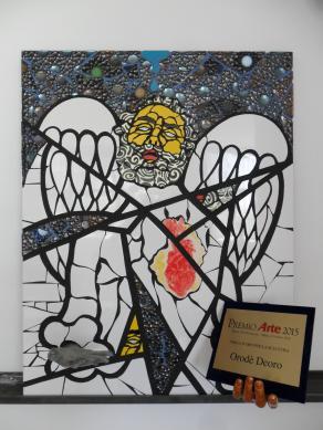 """Vendesi """"Targa d'oro Premio Arte 2015"""". In buone condizioni."""